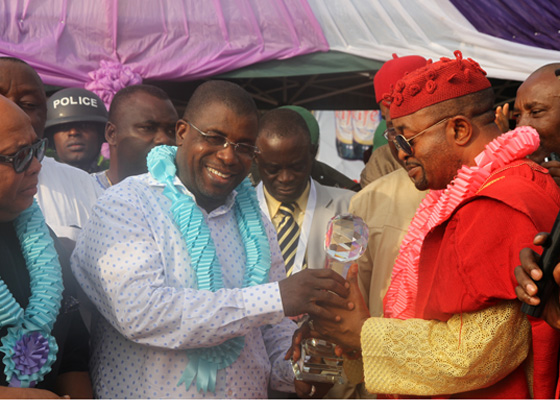 Sir Emeka Offor being honoured